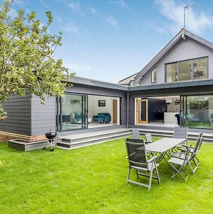 Pass The Keys West Sussex Home By The Sea - Great For Goodwood photos Exterior