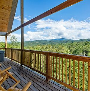 Smoky Bear View Cabin With An Open Concept Living Space With 3 Bedrooms On Main Floor With Awesome Mountain Views Located In Cedar Falls Resort Cabin photos Exterior