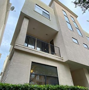 Luxury 4 Story Home In Downtown Houston photos Exterior