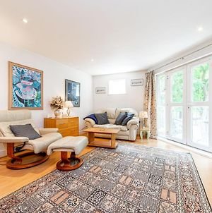 Pass The Keys Delightful Apartment Close To River In Se16 photos Exterior