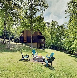 The Norma Jean - Private Balcony, Hot Tub, Firepit Cabin photos Exterior