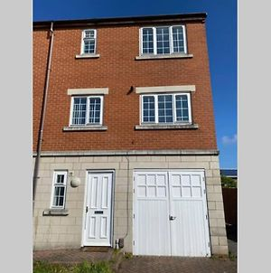 Fishermans House - Beautiful 4 Bed House - Ideal Families & Contractors photos Exterior