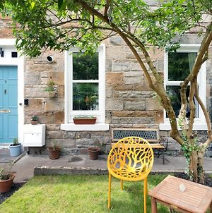 Cozy With Character - Cochrane Cottage At Leith Links Park, Parking, Sleeps Up To 5 photos Exterior