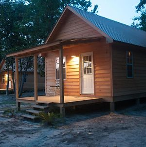 Waterfront Scarlet Cabin On Red Creek - Steps From The Water! photos Exterior