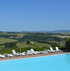 Luxurious Holiday Home With Private Patio, Tuscany, With Panoramic Swimming Poo photos Exterior