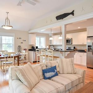 728 1 Mile To Nantucket Sound Beach Beautifully Updated Great Outdoor Space Central Air photos Exterior