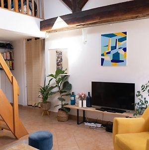 Atypical Apartment In The Heart Of The Marais photos Exterior
