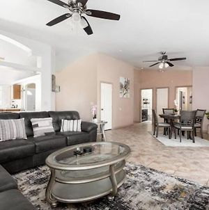 ☆Beautiful 4Br Nw Bakersfield Home W/ 70 Inch Tv☆ photos Exterior