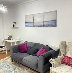 Gorgeous 2 Bedroom Condo For Your Comfy Stay photos Exterior