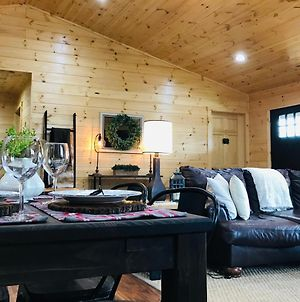 New Cabin With Stunning Views, Sleeps 6! photos Exterior