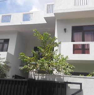 Village House In Colombo photos Exterior