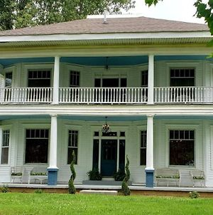 Restored Updated 1914 Historical Event And Wedding Venue photos Exterior