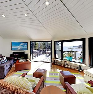 Sea Forever - Waterfront Home With Ocean-View Deck Home photos Room