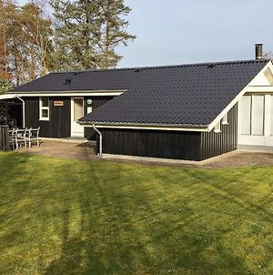 Three-Bedroom Holiday Home In Saeby 1 photos Exterior