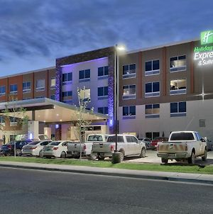 Holiday Inn Express & Suites - Roswell, An Ihg Hotel photos Exterior