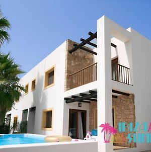 Detached House With 3 Bedrooms And Private Pool. photos Exterior
