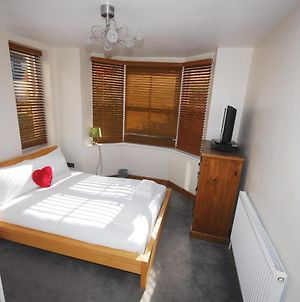 Cosy & Bright 1Bed Flat 5 Mins From The Station! photos Exterior
