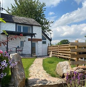 Delightful One Bed Lake District Cottage photos Exterior