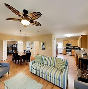 Updated Beach Cottage With Pools - Walk To Waves! Cabin photos Room