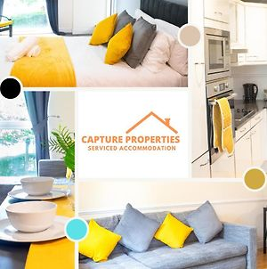 2 Bedroom Minimalist Apartment Greenwich At Capture Properties Serviced Accommodation Deptford photos Exterior