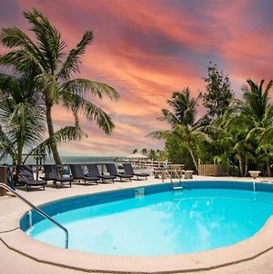 The Lazy Lime 5Bed 3Bath Open Water Views Private Pool Hot Tub Dockage photos Exterior