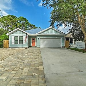 West End Home With Yard 0 4 Mi To Beach Access photos Exterior