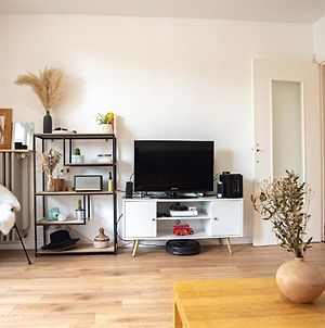 Very Nice Bright And Modern Apt In The 7Th photos Exterior