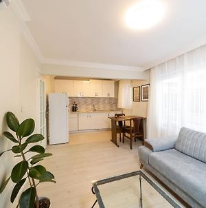 Central Apartment Near Popular Attractions In Antalya photos Exterior