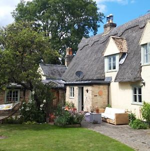 Self Contained Wing Of Idyllic Thatch Cottage photos Exterior