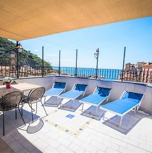 Up To 12 Guests With Terrace Plus Solarium And Outdoor Shower photos Exterior