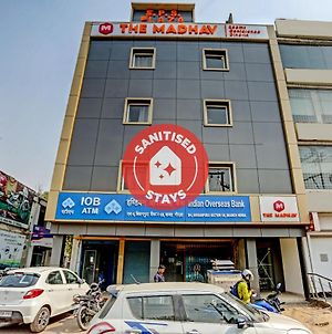 Vaccinated Staff- Oyo Townhouse 390 The Madhav Sector 58 Noida photos Exterior