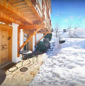 Peaceful Traditional Chalet For 12 For A Perfect Mountain Holiday Relax In The Heated Outdoor Pool Jacuzzi Or Spa And Take-In The Breathtaking Views photos Exterior