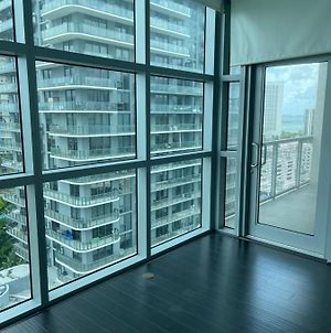 High Rise Private Building Rooftop Pools Restaurants Entertainment Steps Away Book Now Miami photos Exterior