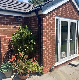 Rose View A Lovely Private 1-Bed Bungalow In Sale photos Exterior