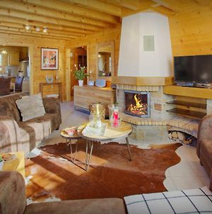 Secluded Alpine Chalet For 10 With Aravis Valley Views And Cosy Open Fire The Perfect Family Getaway For Great Skiing photos Exterior