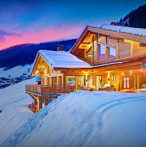 Charming Luxury Chalet For 14 With Jacuzzi & Sauna Fireplace Kids Area And Amazing Views Close To Village & Slopes photos Exterior