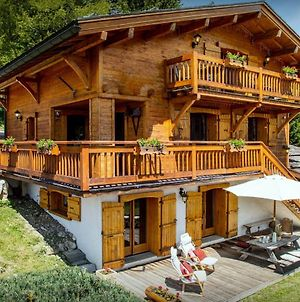 Traditional Cosy Chalet For 10 In Manigod Sunny Terrace & Sauna Ski-Bus Nearby To Enjoy Great Skiing photos Exterior