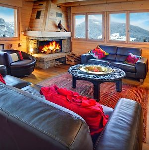 Hidden Gem Luxury Chalet For 12 Offering Gorgeous Mountain Views Cosy Fireplace & Ski Room All Year Nearby Activities photos Exterior