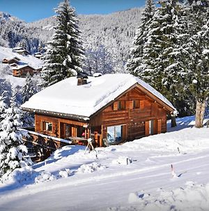Charming Ski-In Ski-Out Lodge For 14 Nested In La Clusaz With Stylish Ensuite Bedrooms Sauna & Large Deck Offering Stunning Mountain Views photos Exterior