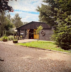 Secluded Cabin Set In 5 Acres Of Private Land, With Exclusive Use Of Swimming Pool And Hot Tub For Up To 10 Guests photos Exterior