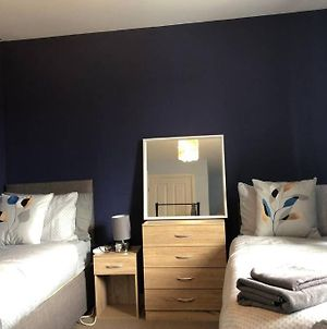 Dudley House **Staycation & Contractors** Sleeps 7 photos Exterior