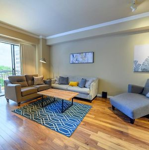 1Br Exquisite Uptown Apartment With Pool, Gym & Parking photos Exterior
