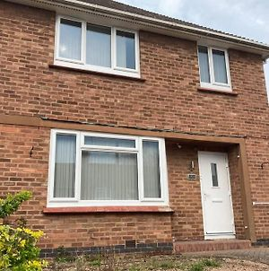 Lytham House -4 Bedroom House With Ample Parking photos Exterior