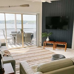 New! Waterfront Condo With 2 Pools And Boat Slip!! photos Exterior