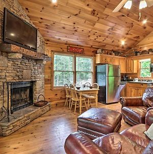 Quiet Creekside Chalet Hot Tub And Pool Table! photos Exterior