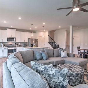 Chic Townhome With Pool Access 4 Mi To Beach! photos Exterior