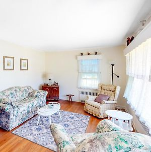 Classic Southold Country Charmer photos Exterior