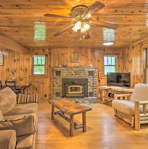 Tafton Cottage With Fire Pit Steps To Lake! photos Exterior