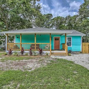 Colorful Beach Bungalow With Covered Porch! photos Exterior