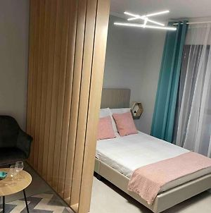 Cozy Studio With 1 Bed - Plaza Mall Bucharest photos Exterior